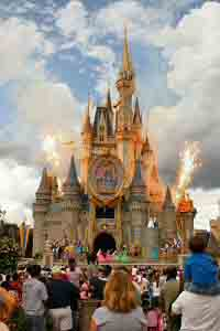 Cinderella's Castle is a masterpiece of design and construction. Standing 189 feet tall, the Castle is made of fiberglass veneer crafted around a 600-ton steel framework.