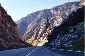 Kiewit Construction Company used balanced cantilever construction to protect Glenwood Canyon while building I-70.
